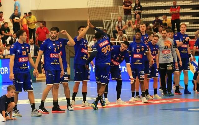 Piłkarze ręczni Łomża Vive Kielce na inaugurację Ligi Mistrzów przegrali w Bukareszcie z Dinamem 29:32. Ich prezes, Bertus Servaas, był bardzo niezadowolony zarówno z wyniku, jak i z jakości gry.