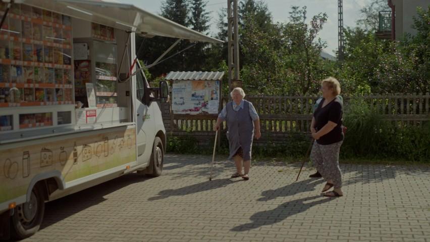 Niezależni przedsiębiorcy podbijają polski rynek. Korzystają na tym lokalne społeczności