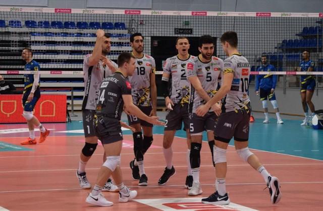 Trefl Gdańsk w ćwierćfinale Pucharu Polski siatkarzy pokonał na wyjeździe Skrę Bełchatów