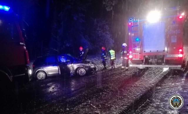 Do wypadku w okolicy miejscowości Serwatki (pow. łomżyński) doszło w piątek o godzinie 17.55