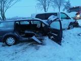 Groźny wypadek na DK 16. Zderzenie mercedesa z passatem na trasie Giby - Pomorze (zdjęcia)