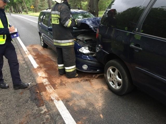 W zderzeniu aut ucierpiała jedna osoba.