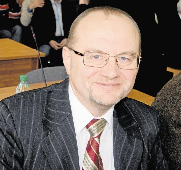 Nowym starostą tatrzańskim został wczoraj wybrany Piotr Bąk, lider Prawa i Sprawiedliwości w Zakopanem. Jego zastępcą...