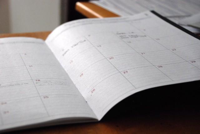 Kalendarz dni wolnych od pracy 2022. Jak zaplanować urlop? Kiedy wypadają długie weekendy?