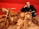 Wierne repliki motocykli z... drewna