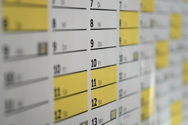 Kalendarz dni wolnych w 2021 roku