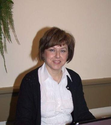"""Barbara Kaszycka, rzeczniczka Okręgowego Inspektoratu Pracy w Kielcach: - Kampania pod hasłem """"Szanuj życie. Bezpieczna praca na wysokościach"""" ma na celu uświadomienie zarówno pracodawcom, jak i pracownikom, jak ważne jest przestrzeganie zasad BHP."""