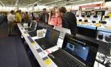 """Koronawirus: Polacy kupują więcej laptopów i sprzętu do pracy zdalnej. """"W wybranych kategoriach wzrost ruchu o kilkadziesiąt procent"""""""