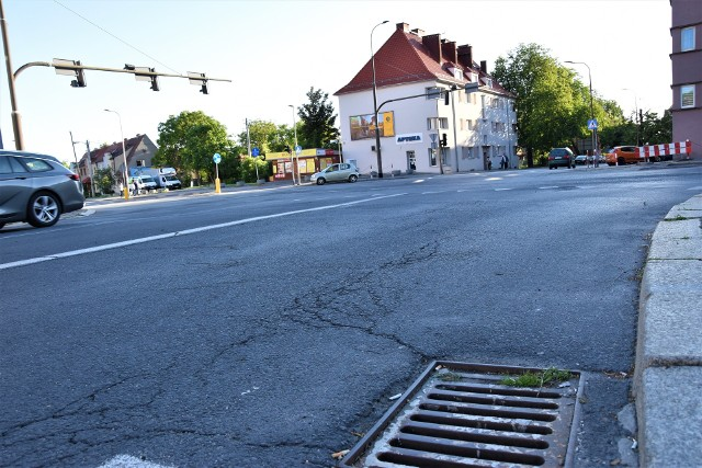 Remont ul. Plebiscytowej. MZD nie planuje obecnie modernizacji skrzyżowania z ul. 1 Maja