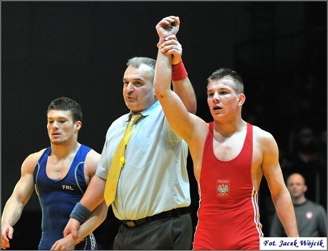 Tomasz Ogonowski wygrał swój pojedynek w wadze do 61 kg z Raulem Donu przez przewagę techniczną.