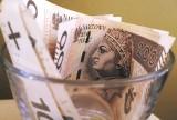 """Twoja pensja netto po """"Nowym Ładzie"""". Taka będzie różnica na koncie - kalkulator wynagrodzeń"""