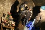 [radar] Policjanci apelują, żeby pomóc bezdomnym przetrwać zimę. W jaki sposób?