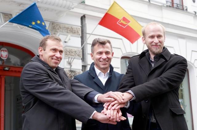 Polityczny klan braci Olejniczaków, od lewej: Cezary, Wojciech i Michał.