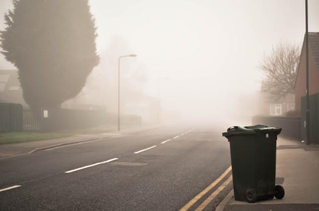 Szacuje się, że od opłat związanych z wywozem śmieci uchyla się nawet kilka milionów Polaków.