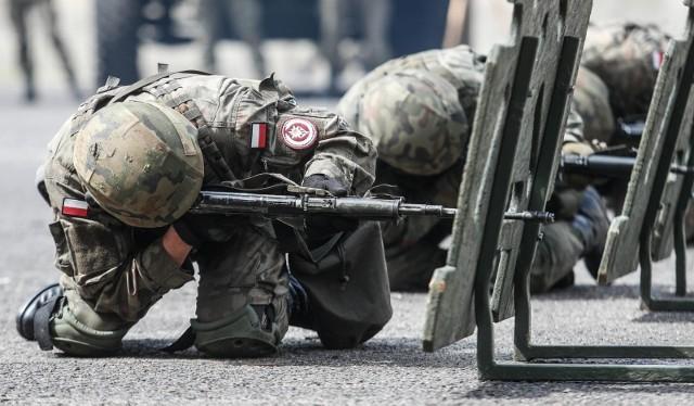 O pozycji kobiet w wojsku z Małgorzatą Fuszarą rozmawiał portal Onet.