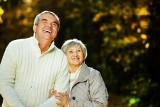Takie są wypłaty zwaloryzowanych emerytur. O tyle więcej emeryci dostają na konta [stawki]