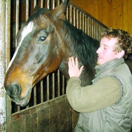 Martin mógł uczyć się jazdy konnej w dowolnym miejscu na świecie. Wybrał Gieniusze.