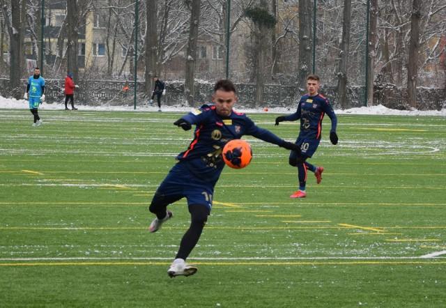 Dawid Kort (na pierwszym planie) zdobył jedynego gola dla Odry.