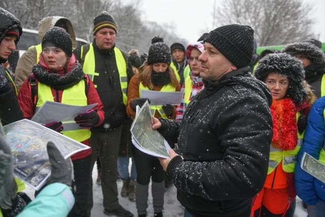 Piotr Hoffmann, organizator sobotnich poszukiwań Michała Rosiaka, zaginionego 19-latka, opowiada o przebiegu akcji.