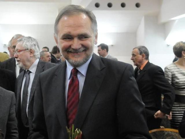 Zmiana warty na Uniwersytecie Zielonogórskim: prof. Tadeusz Kuczyński nowym rektorem.