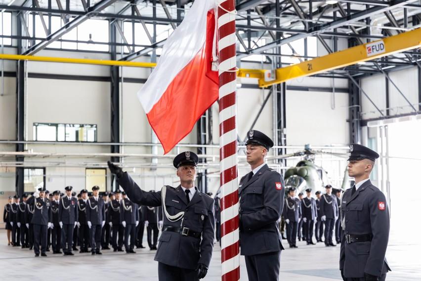 Na lotnisku w Latkowie odbyły się uroczystości z okazji...