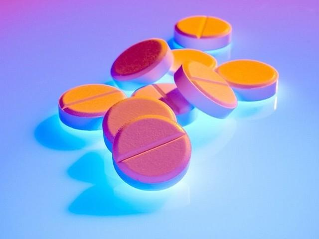 Kiedy warto stosować antybiotyki, a kiedy są niepotrzebne. Takie ulotki informacyjne dla pacjentów  trafią do białostockich aptek. To akcja podlaskiego NFZ.