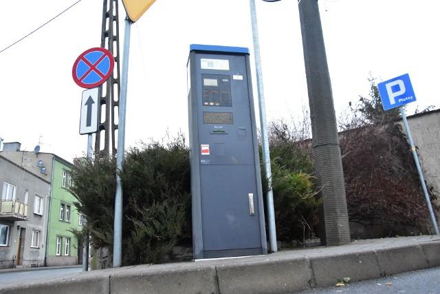 - Najpierw parkomaty nie przyjmują monet, a później musimy płacić mandat. Tylko czy to nasza wina?! - żalą się kierowcy parkujący w centrum Żnina