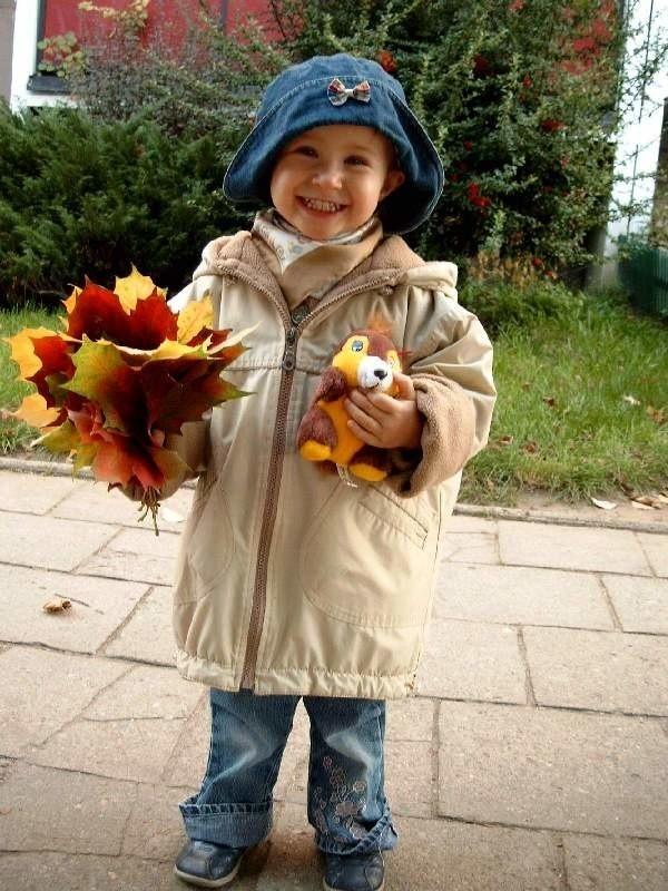 Karolinka Kaminska na jesiennym spacerku w Swarzedzu