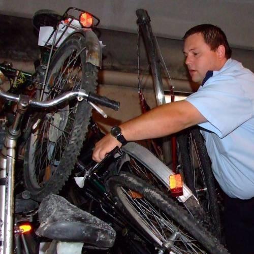 - W piwnicach komendy brakuje już miejsca na składowanie rowerów - mówi Marcin Jastrzębski.