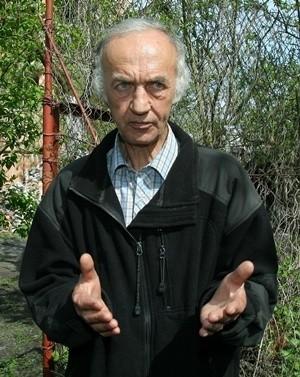 Po upadku ze schodów Jan Roś zmarł w szpitalu.