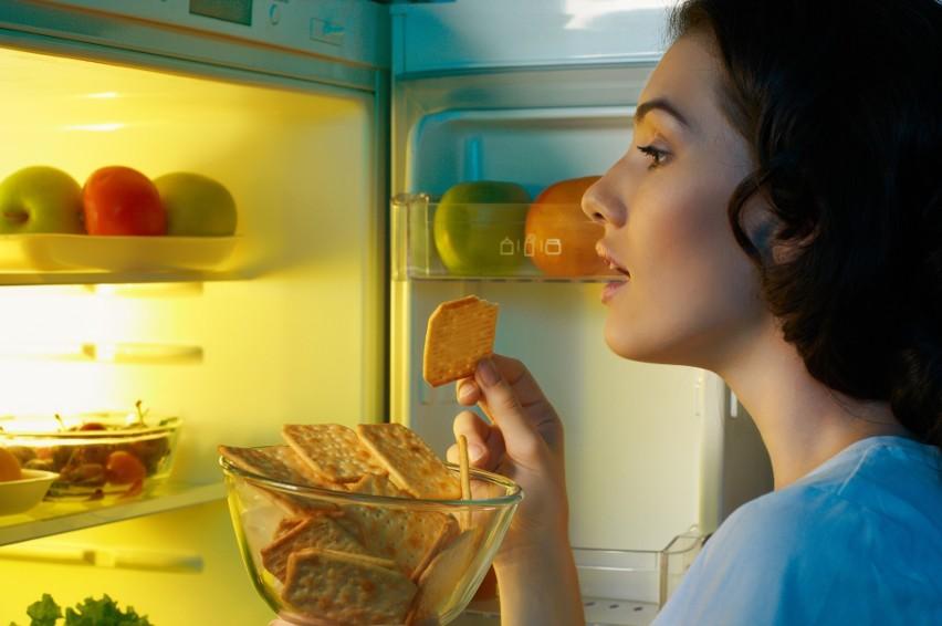 Pomidory, chleb, cebula. Trzymasz je w lodówce? Błąd! To nie...