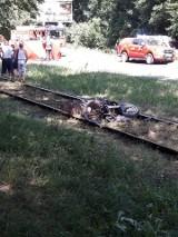 Koszmarny wypadek w Sosnowcu. Motocyklista potrącił matkę z dziećmi na pasach. Kobieta zginęła na ich oczach. Maluchy mają 7 i 9 lat