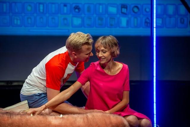 """Artura Gotza i Annę Walkowiak-Sikorską zobaczymy już w poniedziałek w Scenie na Piętrze w sztuce """"Pierwszy raz"""""""