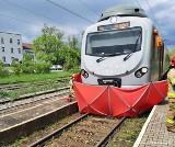 Tragiczny wypadek na torach w Mikołowie. 17-letnia dziewczyna zginęła pod kołami pociągu