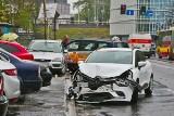 Wypadek na Zachodniej. Zderzenie osobówki i taksówki [ZDJĘCIA]