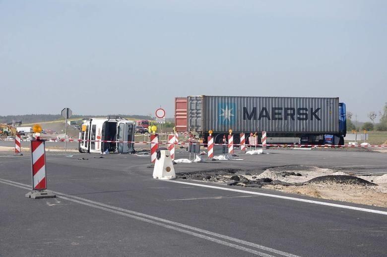 Do wypadku z udziałem dwóch ciężarówek doszło w kwietniu...
