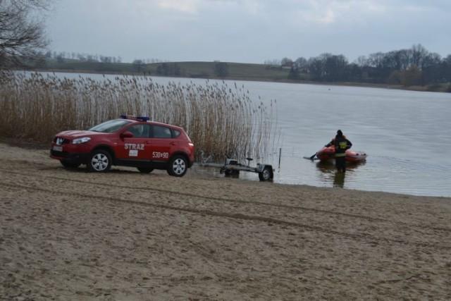 Zginął 17-letni Jakub ze Sztumu. Akcja poszukiwawcza w jeziorze Zajezierskim, 24 lutego 2015 r.