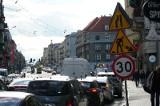 Tymi ulicami najczęściej wjeżdżają goście spoza Poznania. Sprawdź, gdzie najłatwiej o korki