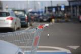 """Sejm. Zakaz handlu w niedziele. Koniec z otwieraniem sklepów jako placówek pocztowych w niedziele? Pojawiła się nowa """"furtka"""""""