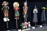 Najmniejsze teatrzyki, a w nich kukiełki i pacynki. W Muzeum Zabawek i Zabawy w Kielcach rusza wyjątkowa wystawa  [WIDEO, ZDJĘCIA]