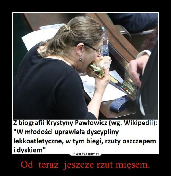 Krystyna Pawłowicz jadła na sali sejmowej. Internauci kpią [DEMOTYWATORY]