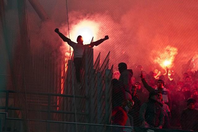 Piłkarze Wisły Kraków zagrali świetny mecz w Warszawie i wygrali z Legią 2:0. Goście zwyciężyli w stolicy pierwszy raz od ośmiu lat, a dzięki zwycięstwu, zrównali się punktowo z czwartym Górnikiem Zabrze. Zobaczcie zdjęcia!