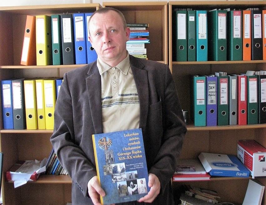 Dr Bernard Linek jest współredaktorem leksykonu.