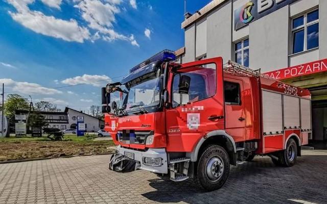 Oferent mówi o kontrowersjach wokół przetargu ogłoszonego przez Komendę PSP w Toruniu, ale ze strony straży pożarnej płyną zapewnienia, że realizacja zamówienia na wozy strażackie przebiega zgodnie z prawem