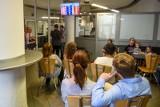 Poznań: Ponad 2 tys. obcokrajowców czeka na odbiór kart pobytu. Czy urząd je wyda?