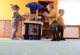 Gdynia dopłaci do pobytu dzieci w żłobkach niepublicznych. System dofinansowań miejsc opieki dla dzieci do lat 3 ruszy w 2018 r.  [zdjęcia]