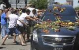 Pogrzeb Muhammada Alego w Louisville. Tłumy ludzi pożegnały legendę boksu [WIDEO]