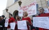 Protest pracowników sądów przed Sądem Okręgowym w Rzeszowie [ZDJĘCIA]