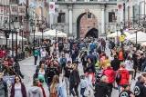 Sezon turystyczny w Gdańsku można uznać za rozpoczęty! W sobotę 22.05.2021 r. tłumy na spacerach i w ogródkach restauracyjnych [ZDJĘCIA]