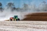 Dopłaty do wapnowania gleb 2021. Czy jeszcze można składać wnioski, ilu rolników skorzystało?